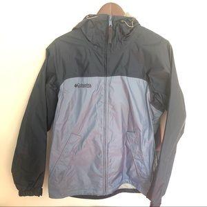 Columbia Omni-Tech packable rain jacket, size S